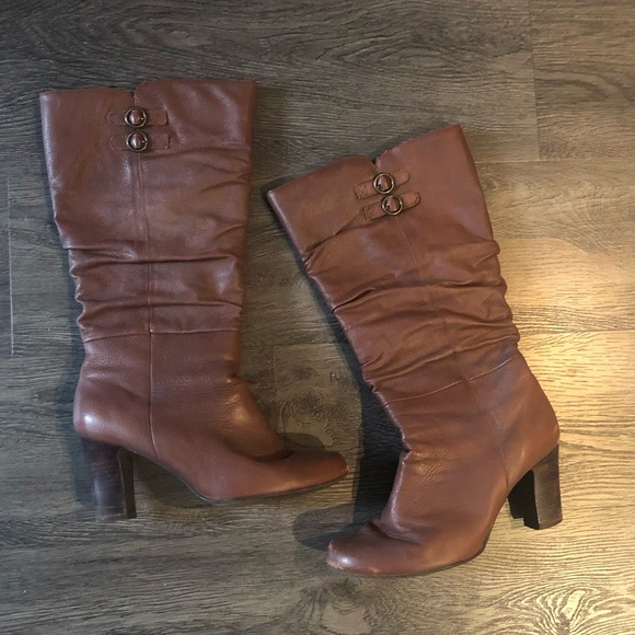 Shoes - 5/$30 Brown Dress Boots